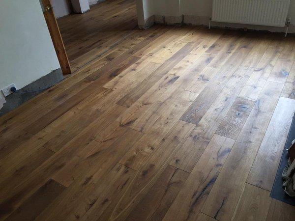 V4 Wood Floorng PH104